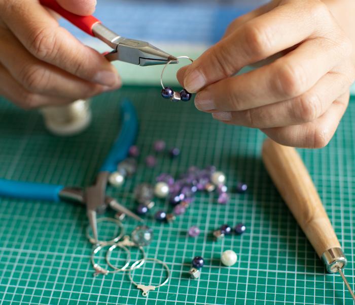 Jewellery Making (Mixed Level)