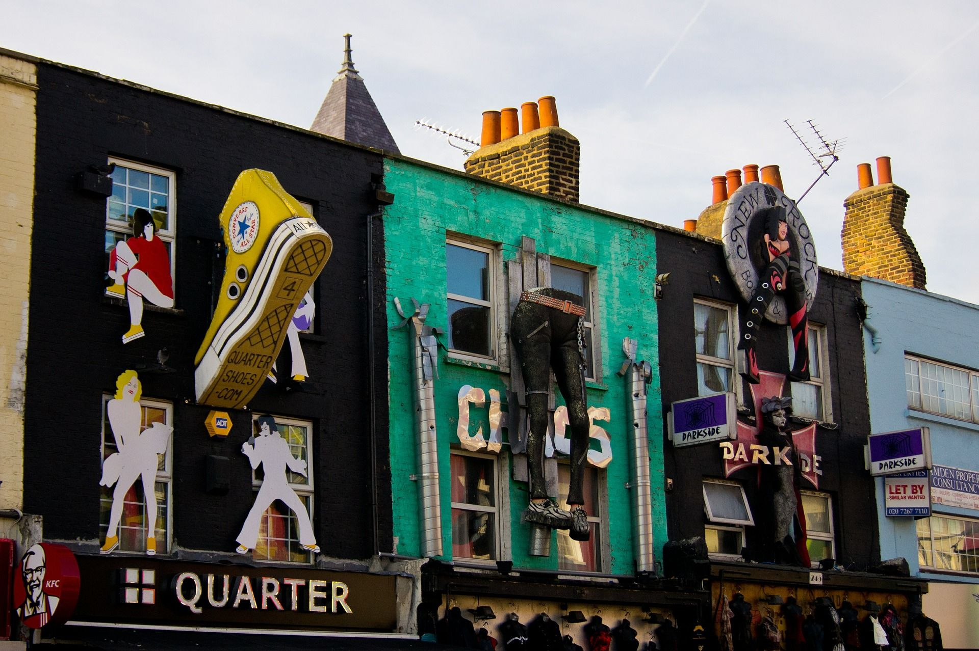 Art In and Around Camden: A Walking Tour of Places and Spaces
