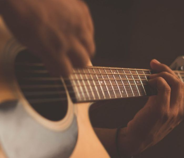 Classical and Acoustic Guitar (Beginners/Mixed Level)