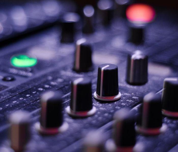 DJ Skills (Beginner/Mixed Level)